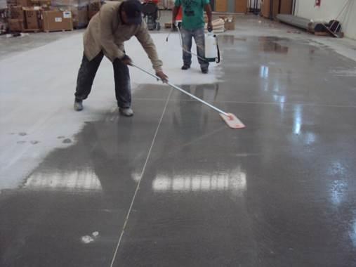 Mantenimiento para pisos de concreto pulido