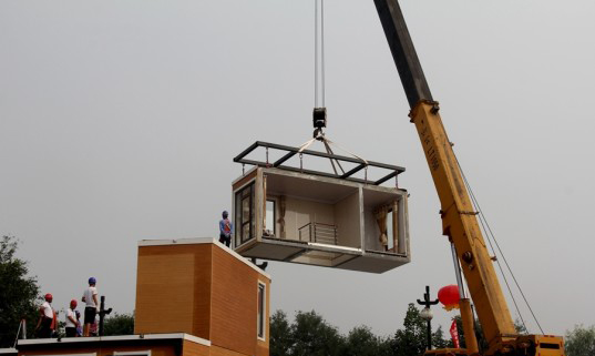 Construyen casas en tres horas
